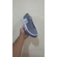 Sepatu Converse ALL Star Warna Abu Bintang
