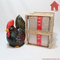 Celengan ayam jago tradisional dot painting - M + Krat kayu