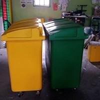 Tempat sampah Container Bin Roda 4 Fiberglass VOL 660L