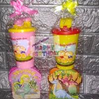 Paket souvenir ulang tahun kotak makan dan Tumbler