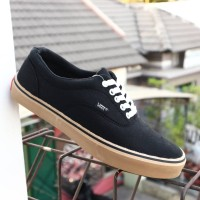 Sepatu Casual Vans Hitam Sol Gum/Vans Classic Black