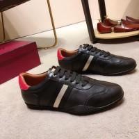 Sepatu Sneakers Slip On Branded Bally