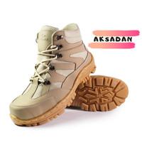 Safety Boots Pria Navigator Cream PDL Delta Ujung Besi Sepatu Hiking