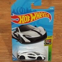 Diecast Hot Wheels Mclaren P1 White