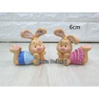 patung pajangan kelinci 2 santai miniatur rabbit