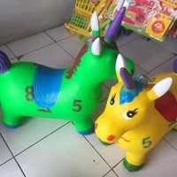 Mainan kuda jumping karet unicorn tanduk hewan tunggang edukatif anak