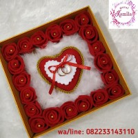 bantal tempat cincin love dalam kotak kado hadiah flower box unik