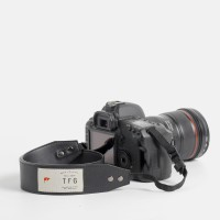 TFG - Strap Kamera Camera Strap Hugo 203 Black berkualitas