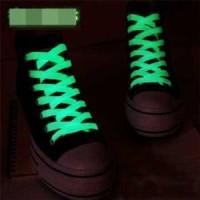 Tali Sepatu Luminous Glow in The Dark 2PCS