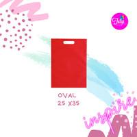 Tas Spunbond Oval Merah Polos Tas Goodiebag 25x35