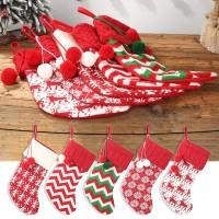 Ornamen Kaos Kaki Gantung untuk Dekorasi Natal