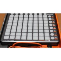 Alat Musik DJ Novation Launchpad S