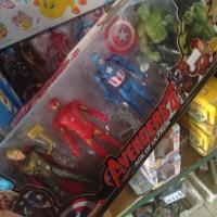 Mainan Action Figure Edisi Avengers Set