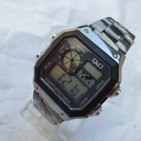 Jam tangan Kotak Q&O rantai stainless model peta