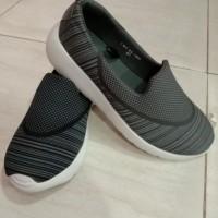sepatu cowok bahan kain lembut