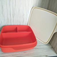 Lolly Tup Tupperware Merah / Kotak Makan / Lunch Box