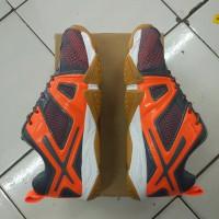 sepatu badminton lining omega original mantapp STB7