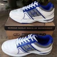 Sepatu Badminton New Era Swedia 02 STB7