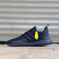 Sneakers Sepatu Adidas Questar Flow Full Black Original