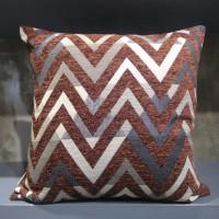 Sarung bantal sofa / sarung bantal kursi zig zag merah bata