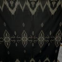Sarung Mangga Gold Kembang warna hitam