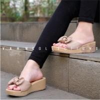 Sepatu Wanita Wedges Sneakers Gold Chaca Berkualitas Import