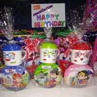 paket souvenir ulang tahun mug Trixy topi dan mangkok superhero