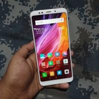 Handphone Hp Xiaomi Redmi 5 Plus 3/32 Second Seken Bekas Murah
