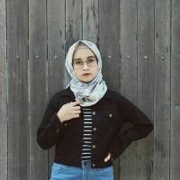jaket jeans levis wanita model crop bodyfit atas pinggang warna hitam