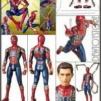 mafex iron spider figure