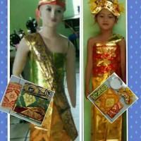 baju adat pakaian upacara adat daerah bali sepasang cowok cewek