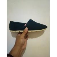 Sepatu Wakai 1 Kodi