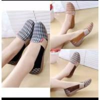 Sandal Wanita Flat Shoes Tiara BL68
