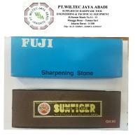 Batu asah / Oil stone FUJI (Japan) - 150 x 50 x 25 mm Grit 80