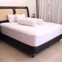 Sprei Hotel Polos Putih King Size Bahan Katun