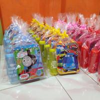 Paket souvenir ulang tahun tas tenteng dan botol packing plastik &pita