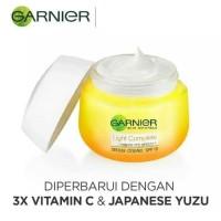 GARNIER LIGHT COMPLETE SPF 19 YUZU DAY CREAM / GARNIER CREAM