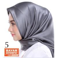 Jilbab Silk Segi Empat Polos HP005