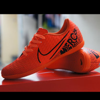sepatu futsal nike soccer ready