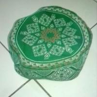 peci anak kupluk melar karet motif batik warna hijau