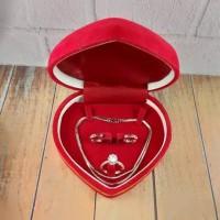 Kotak perhiasan / kotak cincin kalung anting dan gelang satu set