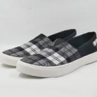 Sepatu pria Slip on Sepatu Santai bukan vans bukan wakai 5205