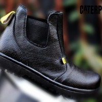 sepatu kerja pria proyek lapangan Caterpillar safety hitam tinggi #04