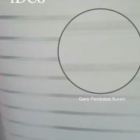 sticker kaca motif garis putih tengah buram