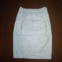 celana pendek putih/celana kolor putih