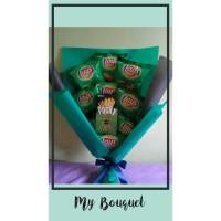 Bucket bouquet buket snack hadiah kado wisuda anniversary birthday