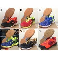 Sepatu Badminton / Bulutangkis Lining Attack AYTN081