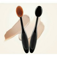 ID Oval Brush Foundation Brush Blending Brush