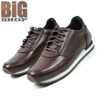 Sepatu Pria Sneakers Model Kets Sport Casual Kekinian Kulit Asli B4055 - Hitam, 39