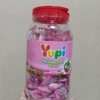 Permen Yupi Stawberry Kis 2.5 gr Satu Toples PALING MURAH